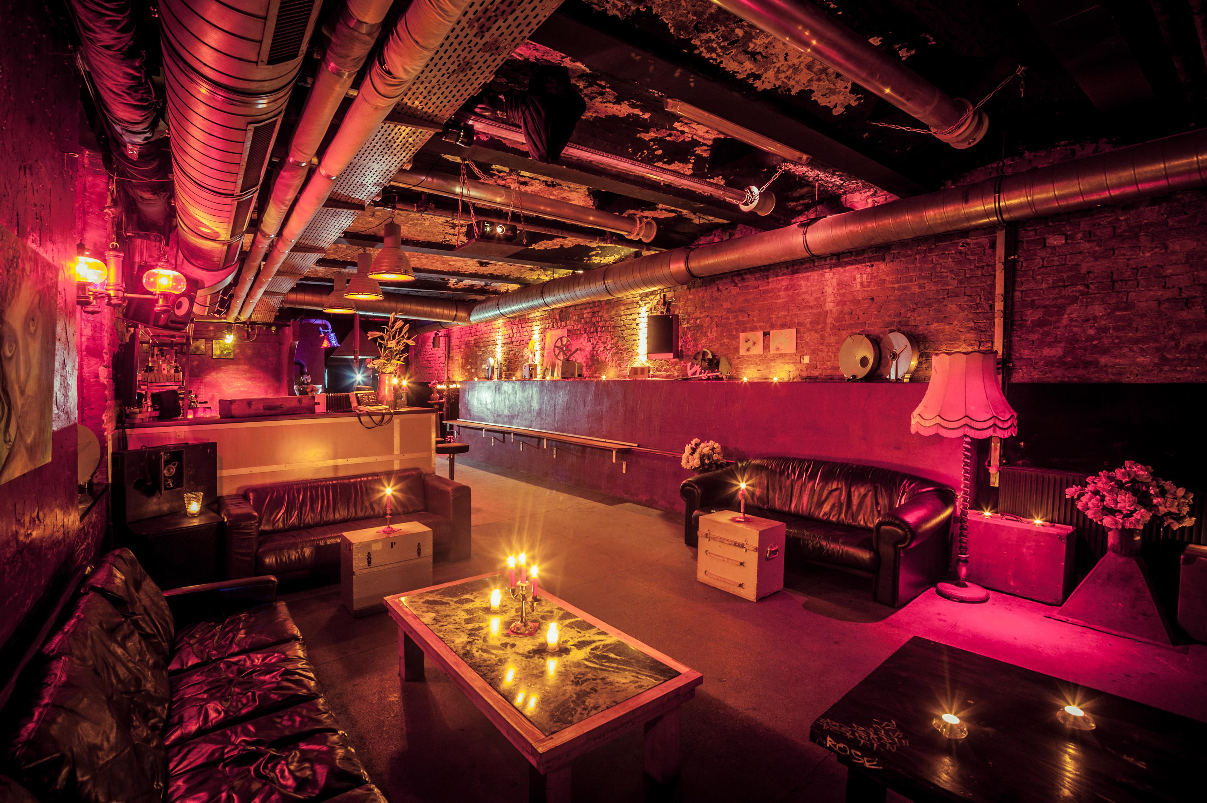 70 hiphop wohnzimmer berlin brand nu oldskool for Wohnzimmer bar berlin